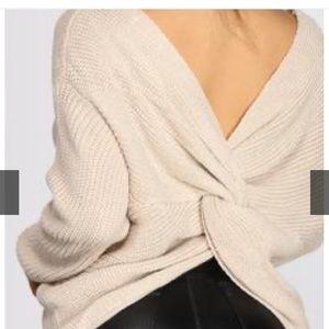 Knot back sweater oversized